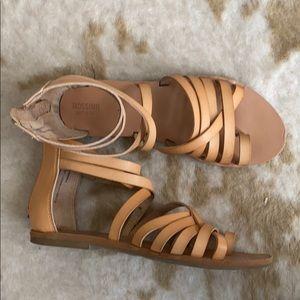 Mossino Sandals sz 8